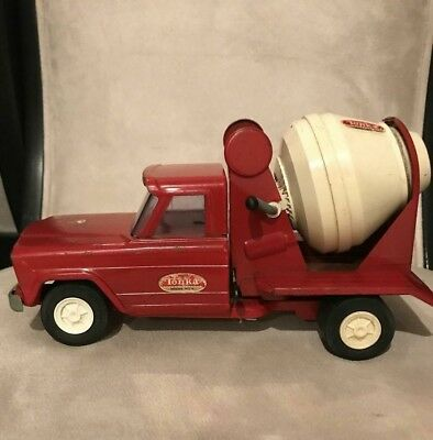 Vintage Tonka Red Jeep Cement Mixer Truck - Pressed Steel- Spins and Tilts
