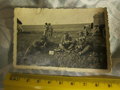 Original WW2 World War Two Wehrmacht Photograph Soldiers At Mealtime Captioned