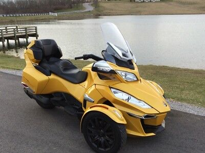 2015 Can-Am RtS  2015 Can am spyder Rt-S
