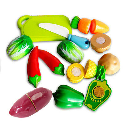 9PCS Farmers Market Pretend Play Fruits Vegetables and Cutting Board Playset