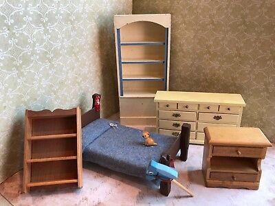 5 Vintage Miniature Dollhouse Collection Hand Made Bedroom Furniture c1980s-90s