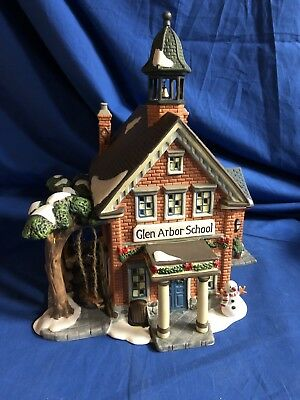 Heartland Valley Village Christmas Glen Arbor School 2001 Porcelain Lighted NIB