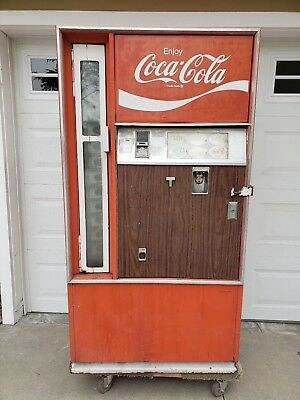 Vintage Coke Machine Cavalier CSS 141G  Coca Cola Soda Vending Machine