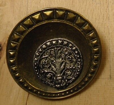 """NICE 1"""" Picture Metal Antique Button 756:2"""