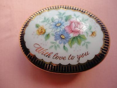 Vintage Decorative Collectible Avon Message of Love year 1986 Porcelain Box