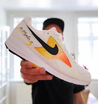 pretty nice 0b300 59577 Nike Air Skylon II Hommes Blanc Orange Jaune Baskets Sport Série Taille 6-12