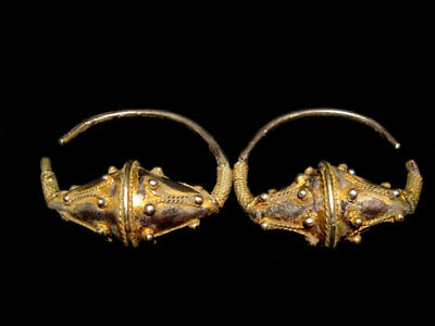 Gorgeous, Museum Quality Byzantine Silver Gilt Pair Of Earrings - Top Decoration