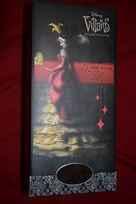 Disney Villains Collection Queen of Hearts Limited Edition Doll