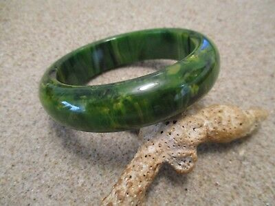 "Beautiful 3/4"" Vintage Bakelite Bracelet; Heavily Marbled Green/Yellow Colors!!"
