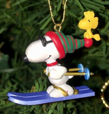 Hallmark Miniature Ornament WINTER FUN WITH SNOOPY Skiing #2 In Series 1999