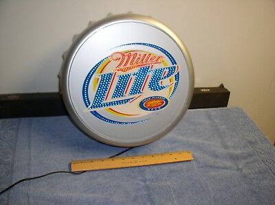 Plastic LED MILLER LITE BEER Bottle Cap LIGHT UP SIGN MAN CAVE/ BAR Exc+ Cond