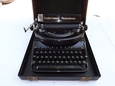 BEAUTIFUL Vintage Underwood Noiseless 77 Typewriter in Case Excellent Condition!