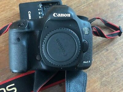 Canon EOS 5D Mark III 22.3 MP Digital SLR Camera - Black (Body Only) (2764B003)