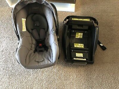 Maxi-Cosi Mico Max 30 Infant Car Seat Grey good conditions