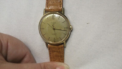 Gent's vintage TIMEX watch 21jwl Mechanical hand wind Super example working well