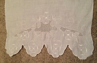 Antique Italian Hand Made Runner Flower Embroidery and Punch Work 44 X 17