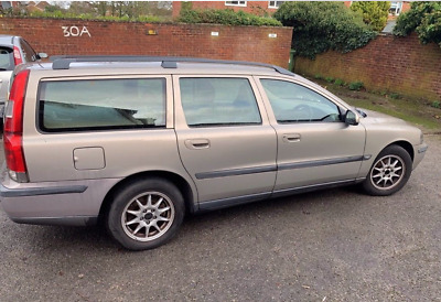 Volvo V70 Gold Year 2000 5 door estate - Petrol, Automatic engine 2435l