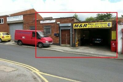 Commercial Unit in Prescot L34 Workshop Space for vehicles and Offices