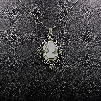 Victorian Lady Style Cameo Crystal Charm Pendant Chain Necklace Green