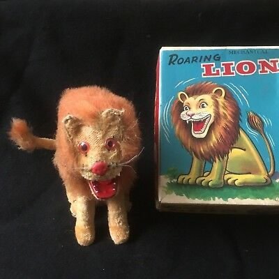 Vintage Wind Up ROARING LION made by Alps Toys Japan W/ Original Box