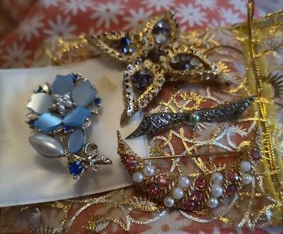 Vintage & Old Jewellery Job Lot.Four Mixed Brooches.