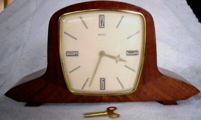 Vintage 1950-60s Smiths Clock Co: Wooden Wind-up Chiming Mantel Clock,Restored.