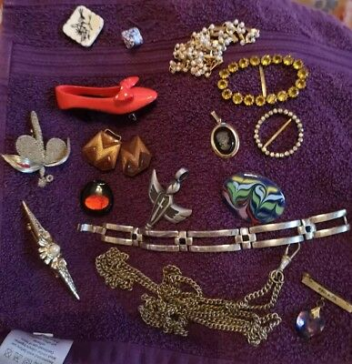 Vintage, Old and Retro Jewellery Job Lot.Mixed Brooches, Fob,Shoe,angel etc