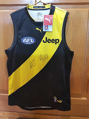 AFL Richmond Tigers Guernsey Signed by Trent Cotchin and Damien Hardwick BNWT
