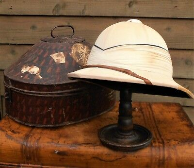 WW2 - Royal Navy - Officers White Wolseley Tropical Helmet & Carrying Tin