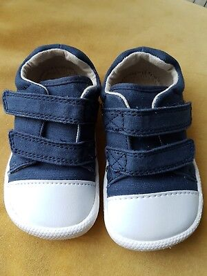 Baby Boy Clarks Doodles Pram Cruiser Shoes Size 3.5F. Great Condition!
