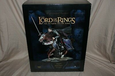 LOTR Sideshow Weta Aragorn at the Black Gate Statue Limited Edition #75/5000