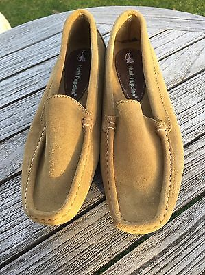 e54291d5b443f9 HUSH PUPPIES