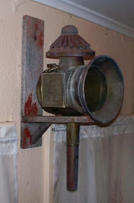 Antique/Victorian Brass Carriage Lamp With Wood Wall Mount Bracket