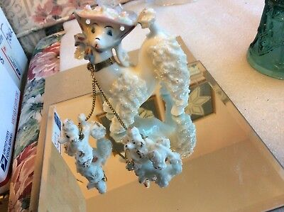 """Vintage 1950"""" 5"""" White Mama Spaghetti Poodle w/Two Pups - Made in Japan"""