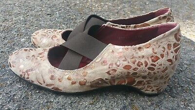 1e9bf30e04a6 Pons Quintana Spain Tan Wedge Slip On Loafer Floral Suede Sz 7 37.5 Dress  Shoe