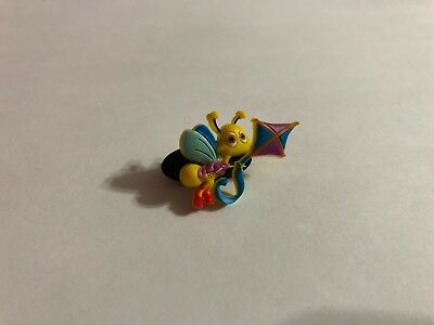 Bee with Kite Shoe-Doodle CRITTER Shoe Charm for Crocs CRT023