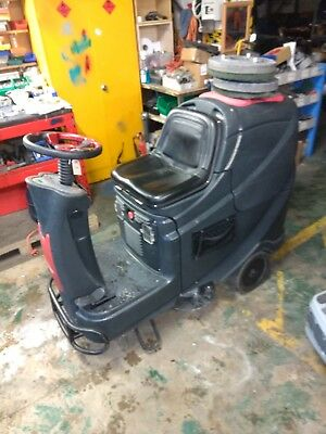 """Viper AS710R 28"""" battery powered floor cleaner scrubber drier."""
