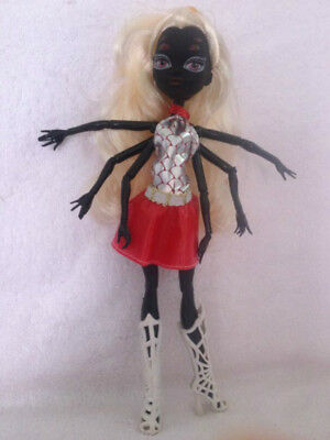 NEW Monster High Scaris City of Frights Webarella Wydowna Spider Doll