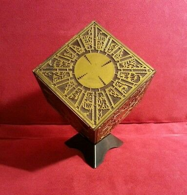 Hellraiser Puzzle Box Holder Display Stand Horror Gift Present *BOX NOT INCLUDED