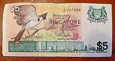 Discontinued 1970s Singapore $5 Banknote Five Dollars Circulated