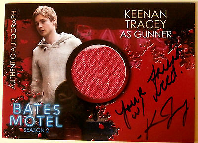 """BATES MOTEL - KEENAN TRACEY as Gunner """"Friend w/ weed"""" Costume Autograph - CAKT"""