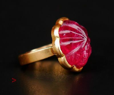 1977 Vintage Retro European Ring solid 18K Gold 13 ct Ruby Size 4.25 US / 7.2