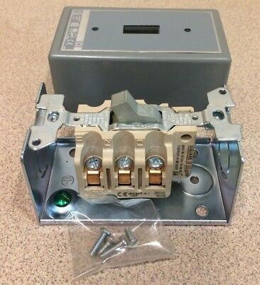 Square D 2510K02 Motor Starting Switch 115-575VAC Series A  30A 3Pole
