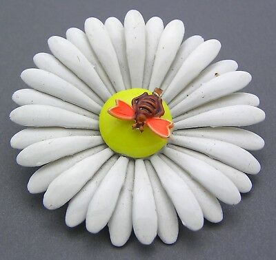 Vintage Enamel Flower Pin Brooch White & Yellow Daisy with Bee Gold Tone Metal