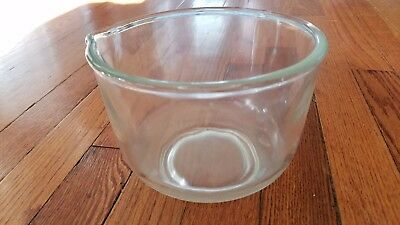 Vintage Small Mixing Bowl With Pour Spout Clear Glass (Oster replacement?)