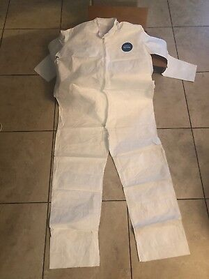 Dupont Tyvek7 Coverall Li13-3115216 Size Xl Case Of 25