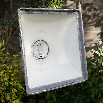 Elinchrom Square Reflector with Grid