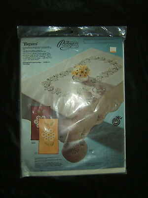 Paragon Elegance Tablecloth 59x106 Oblong Stamped for Embroidery ~Daisies ~Edged