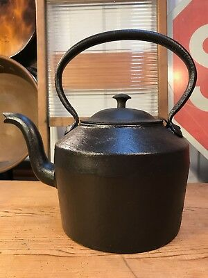 Antique English Solid Cast Iron Kenrick & Sons 6 Pint No 3 Stove Top Kettle