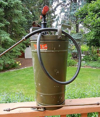 .Vintage Continental Can Co. Civil Defense (CD) UL 4 Gallon Fire Extinguisher